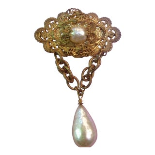 Miriam Haskell Exquisite Baroque Glass Pearl Dangle Brooch For Sale
