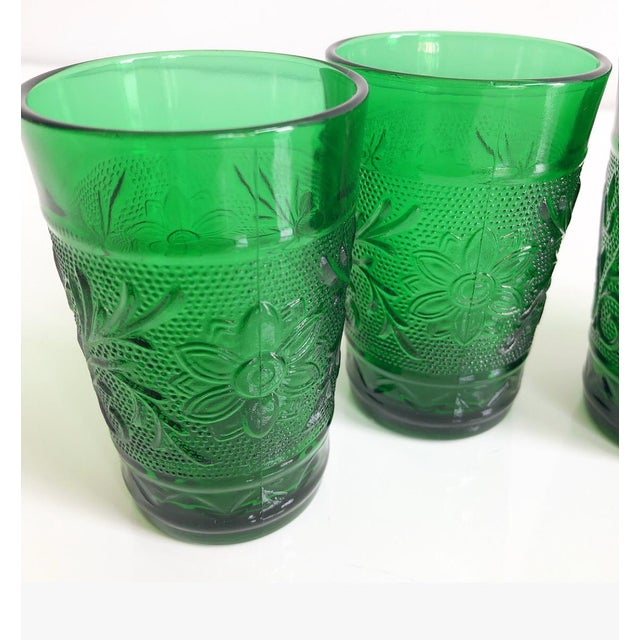 Set of Six Vintage 1960s Kelly Green Juice Glasses For Sale - Image 4 of 8