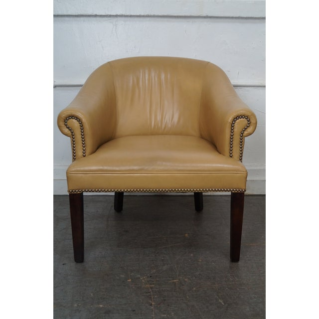 Barrel back leather club chairs. AGE/COUNTRY OF ORIGIN: Approx 20 years, America DETAILS/DESCRIPTION: High quality,...