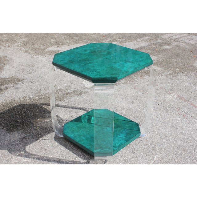 1970s Mid-Century Modern Green Emerald Burwood and Lucite Accent Table For Sale - Image 13 of 13