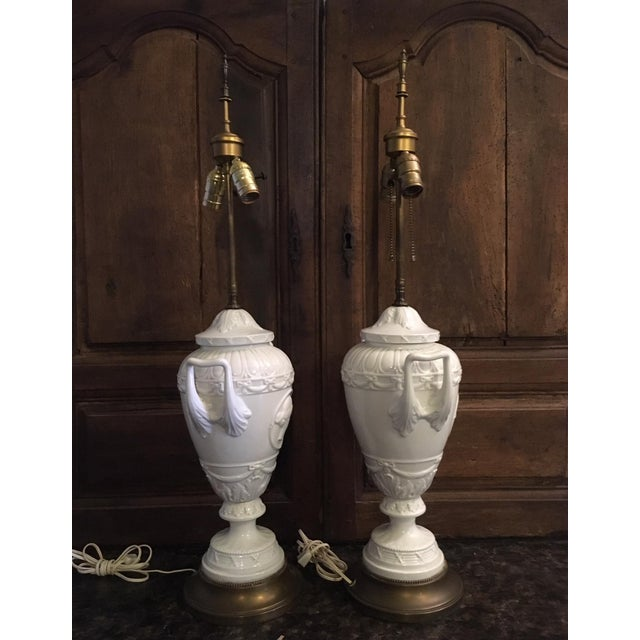 English Traditional 20th Century Wedgwood Style Porcelain Lamps Cameo Medallion French Empire - a Pair For Sale - Image 3 of 13
