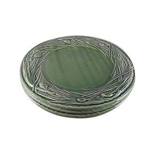 1980s Bordallo Pinheiro Majolica Pine Green Dinner Plates - Set of 4 For Sale