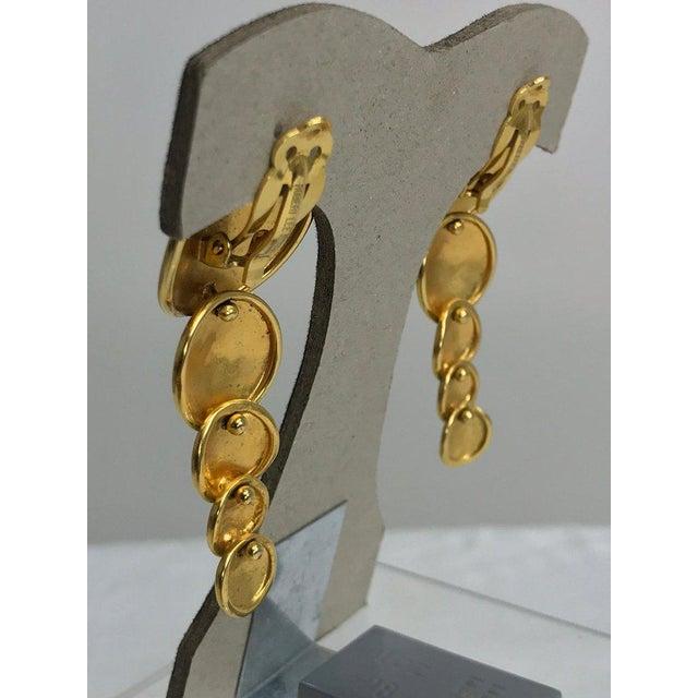 Robert Lee Morris Robert Lee Morris Articulated Matte Gold Earrings 1980s For Sale - Image 4 of 13