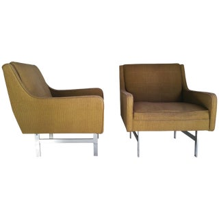 Modernist Florence Knoll Style Gold Upholstered Lounge Chairs - a Pair For Sale