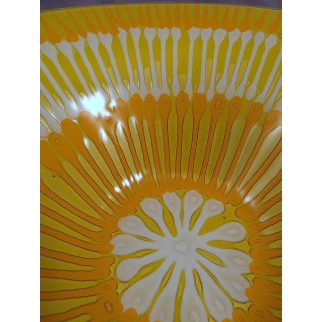 For your consideration is this beautiful vintage Higgins Art Glass bowl with orange, yellow and white starburst design....