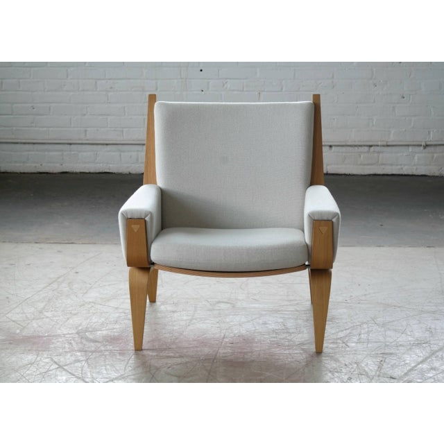 Danish Lounge Chair Model 501 by Hans WEgner for Getama For Sale In New York - Image 6 of 7
