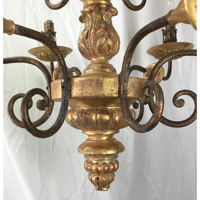 Gold Italian 19th Century Carved Wooden Fragments Chandelier With 12 Arms For Sale - Image 8 of 13