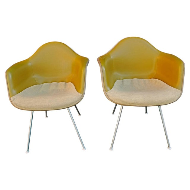 Mid-Century Modern Charles Eames Bucket Chairs With Two-Tone Original Fabric - a Pair For Sale - Image 3 of 3