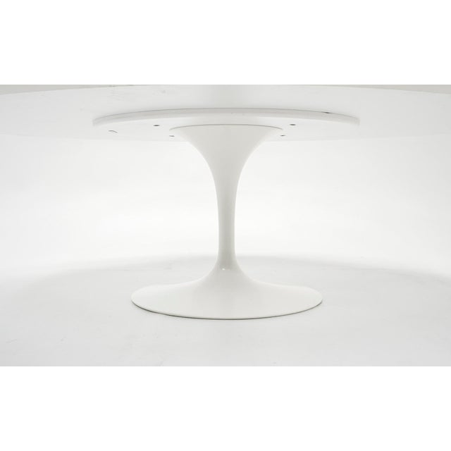 Metal Eero Saarinen Oval Tulip Base Dining Table, White Laminate Top For Sale - Image 7 of 8