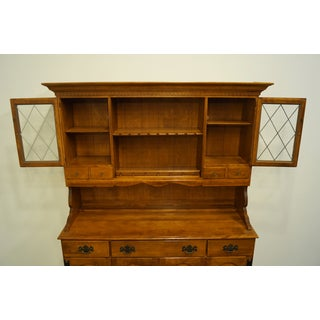 Ethan Allen Heirloom Nutmeg Maple China Cabinet Preview