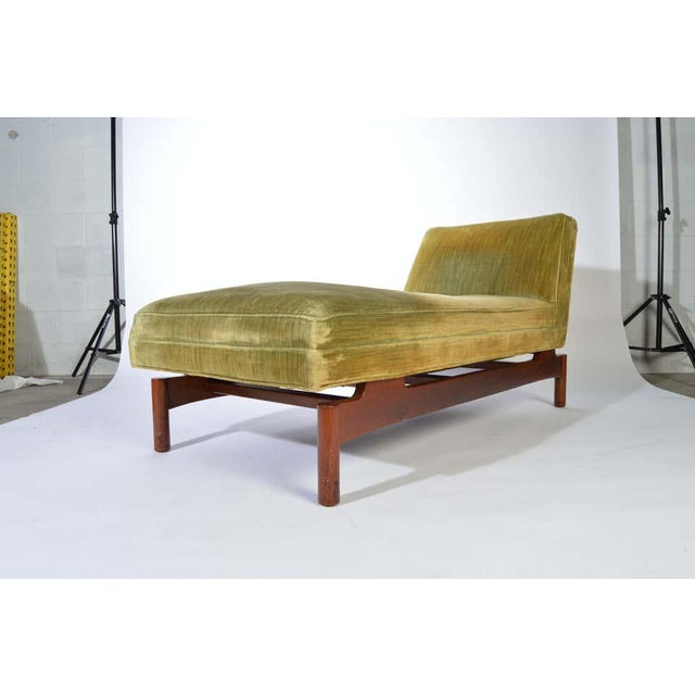 Mid-Century Modern Important Gerald Luss for Lehigh Chaise Lounge Chair in Walnut, Circa 1950 For Sale - Image 3 of 11