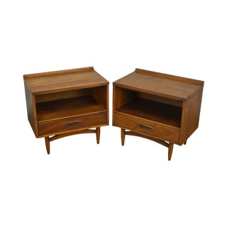 Danish Modern Style Pair American Walnut One Drawer Nightstands For Sale