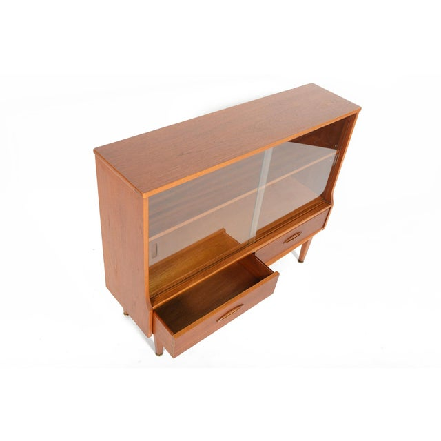 Jentique Narrow Teak & Glass Bookcase - Image 5 of 9