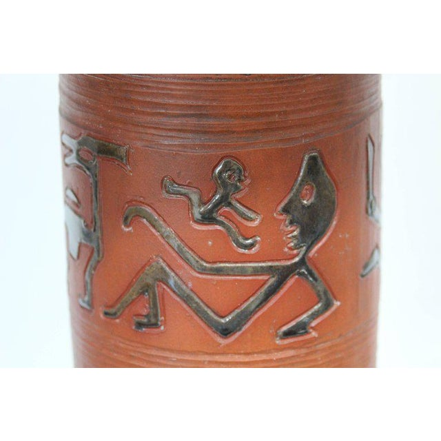 Rust Red Ceramic Table Lamp with Primitive Motif - Image 4 of 9
