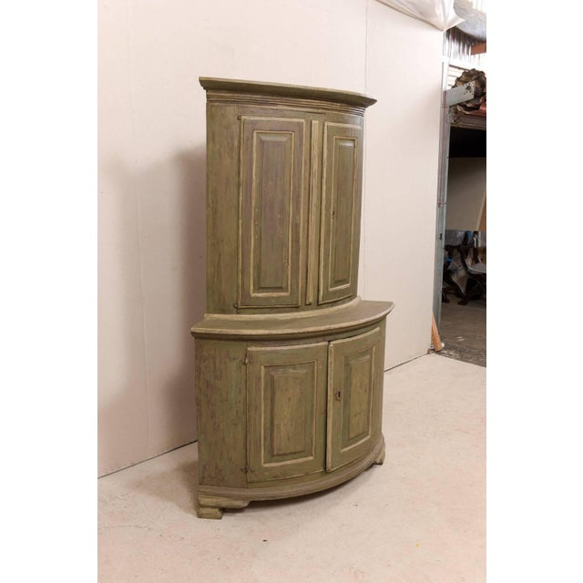 18th Century Antique Gustavian Swedish Painted Wood Corner Cabinet For Sale In Atlanta - Image 6 of 12