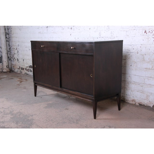 "Winchendon Furniture ""Planner Group"" Paul McCobb Planner Group Sliding Door Sideboard Credenza or Record Cabinet For Sale - Image 4 of 13"