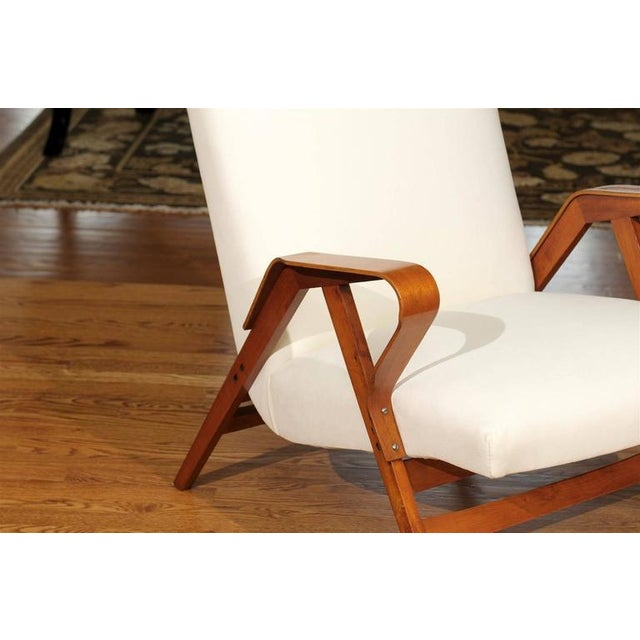 Gorgeous Pair of Restored Vintage Loungers in Maple and Mahogany For Sale In Atlanta - Image 6 of 9