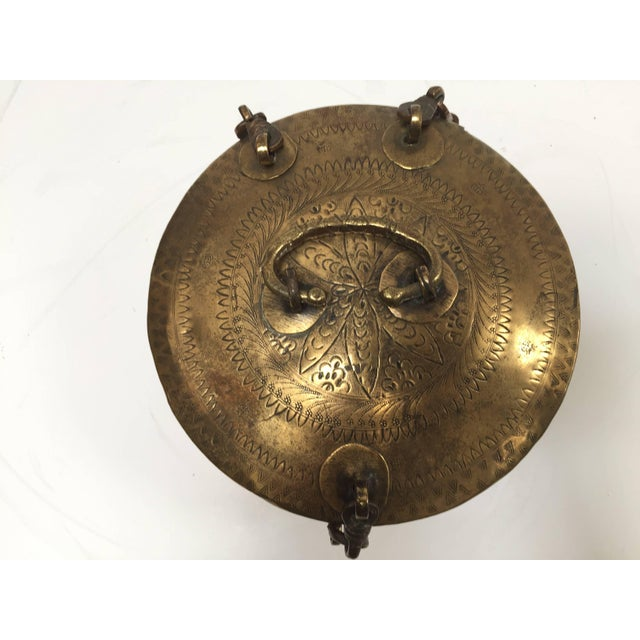 Anglo Indian Decorative Brass Lidded Tea Caddy For Sale - Image 4 of 8