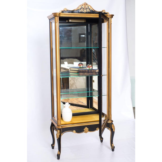 French Black and Gold Mirrored Curio Cabinet For Sale - Image 3 of 10