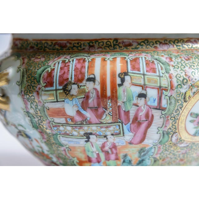 Rose Medallion Soup Tureen For Sale - Image 4 of 8