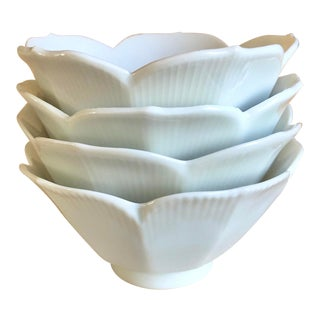 1960s Porcelain Nesting Lotus Bowls, Japan - Set of 4 For Sale