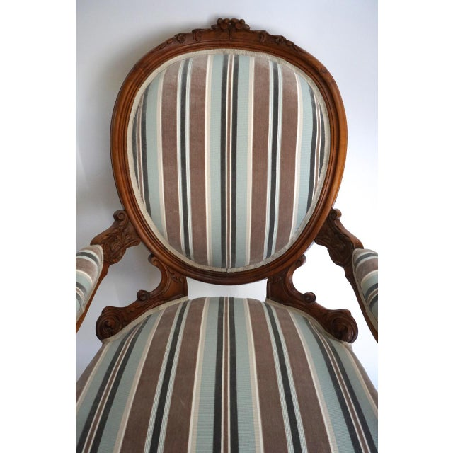 Antique Walnut Louis XVI Fauteuil and Footstool For Sale In San Diego - Image 6 of 11