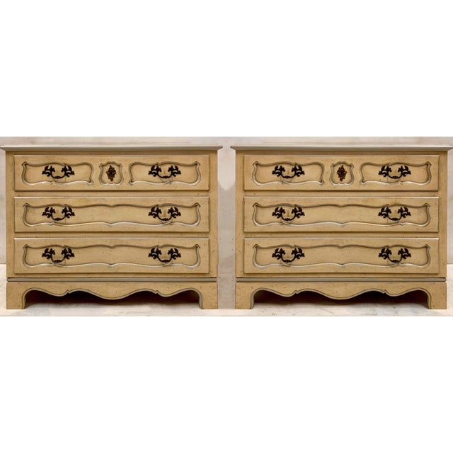 White Pair of Baker Furniture French Style Chests For Sale - Image 8 of 8