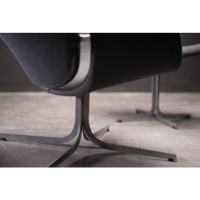 Contemporary Pierre Paulin F545 Lounge Chair with Matching Footstool for Artifort For Sale - Image 3 of 9