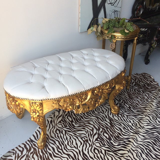 White Leather Tufted Ottoman With Floral Carvings - Image 5 of 7