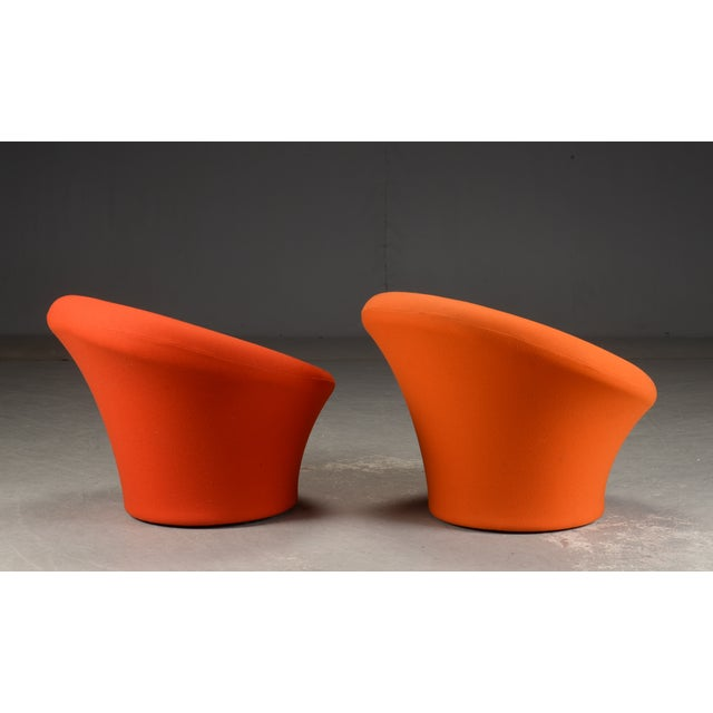 "Pierre Paulin Pierre Paulin for Artifort Pair of Model ""Mushroom"" Arm Chairs For Sale - Image 4 of 5"