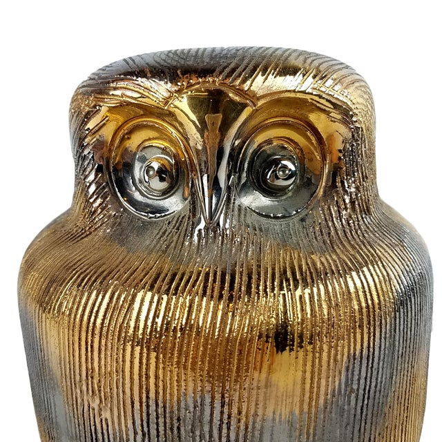This fabulous incised ceramic owl in gold and silver glaze is a delightful piece. In very good condition with barely...