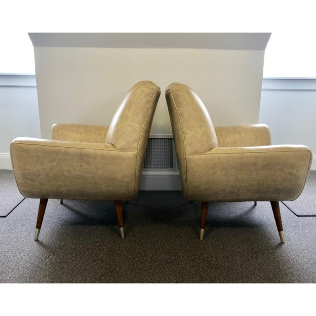Here is a pair of funky, fun, retro, club chairs that we couldn't say no to from a home in Somers, CT. The undeniable...