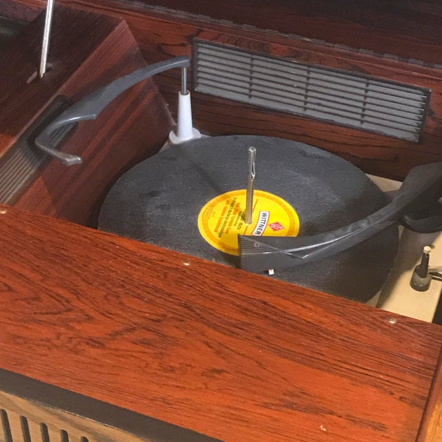 """1970s Blaupunkt GmbH """"Arizona"""" Rosewood & Chrome Stereo Console For Sale - Image 9 of 13"""
