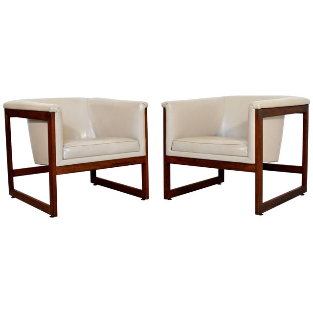 Pair of Mid-Century Modern Milo Baughman Floating Cube Walnut Lounge Chairs For Sale - Image 10 of 10