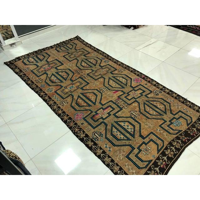 1960s Turkish Bohemian Vintage Floor Kilim Rug - 4′9″ × 9′1″ For Sale - Image 5 of 11