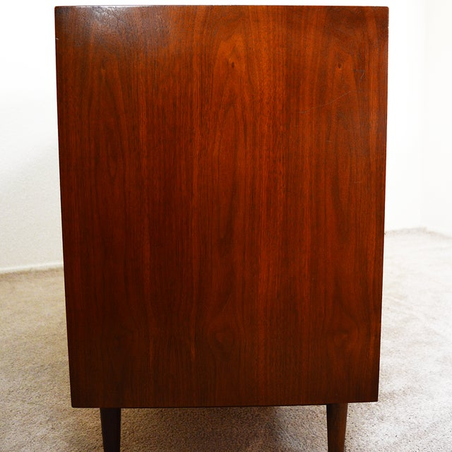 1960s Mid-Century Modern American of Martinsville Walnut and Aluminum Credenza For Sale - Image 9 of 13