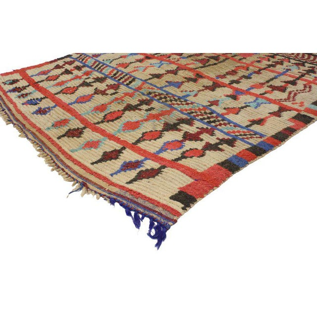 Vintage Mid-Century Berber Moroccan Rug - 4′7″ × 6′9″ For Sale In Dallas - Image 6 of 7