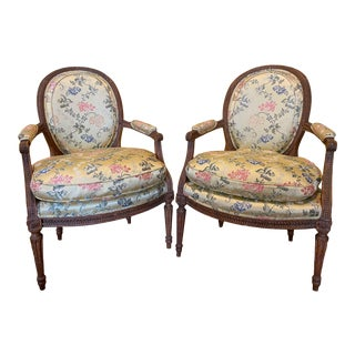 18th Century Louis XVI Upholstered Beechwood Fauteuils Chairs en Cabriolet - a Pair For Sale