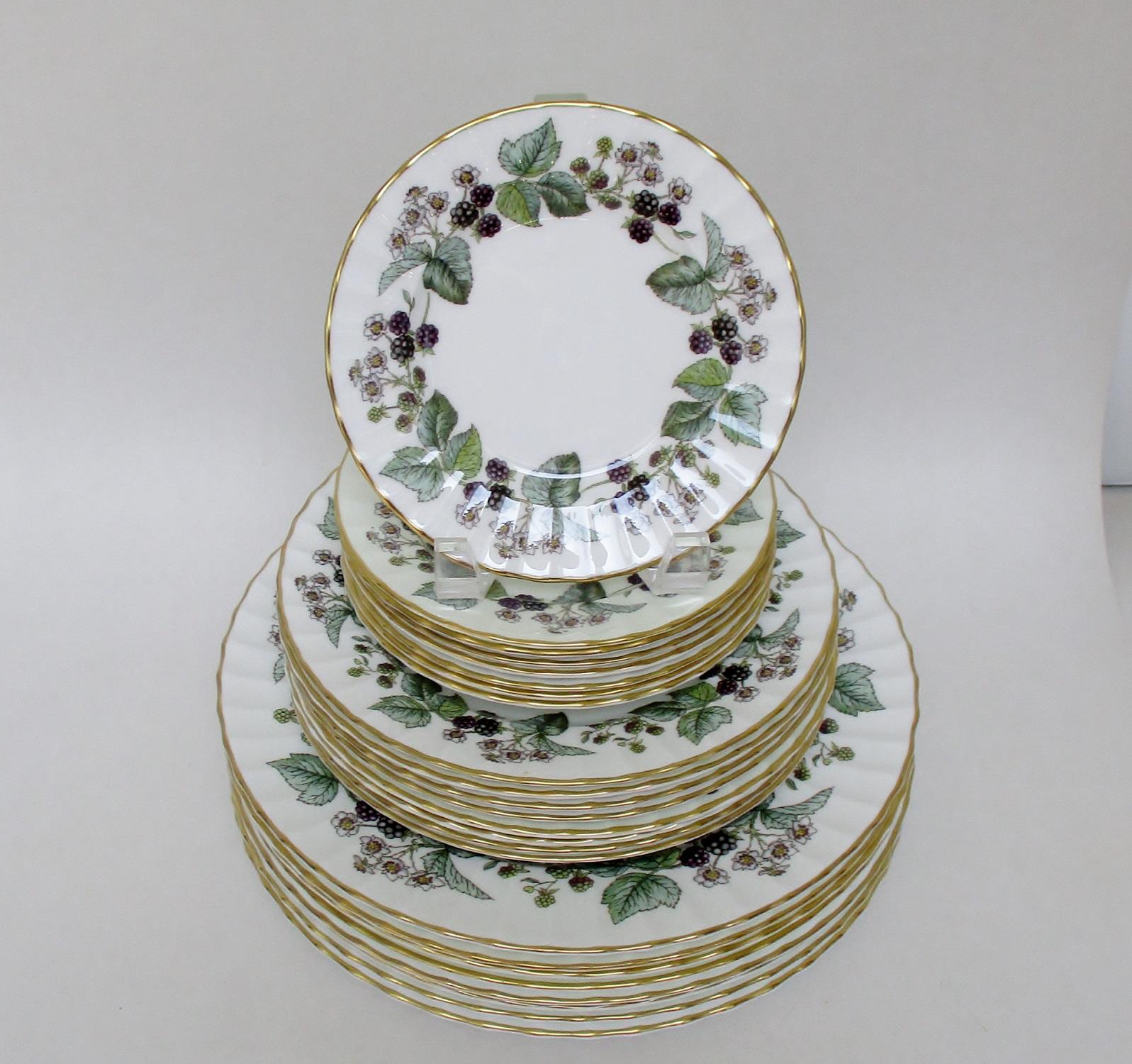 Vintage Royal Worcester Plates - Set of 24 - Image 2 of 7 & Vintage Royal Worcester Plates - Set of 24   Chairish