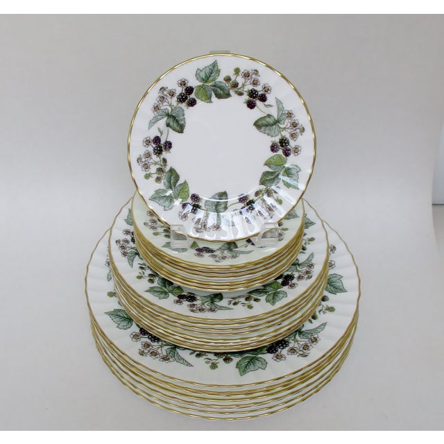 Vintage Royal Worcester Lavinia bone china plates in three sizes; dinner, salad and bread, 8 of each. This discontinued...