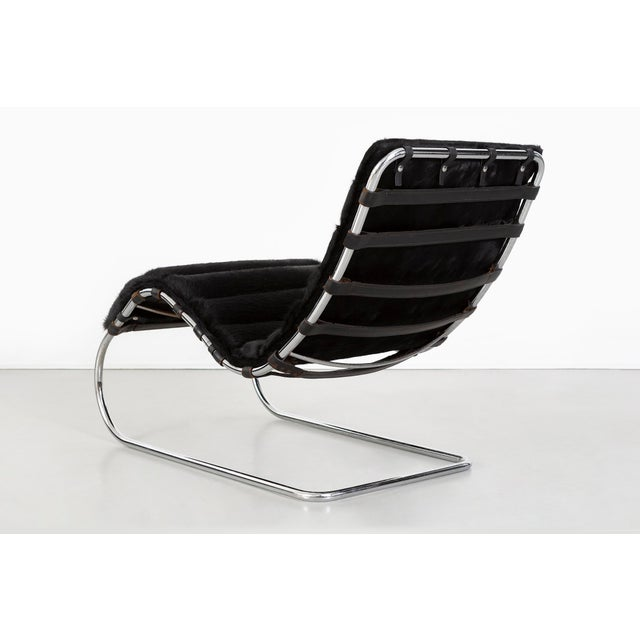 1970s Mies Van Der Rohe Mr Chaise for Knoll Reupholstered in Brazlian Cowhide For Sale - Image 5 of 11