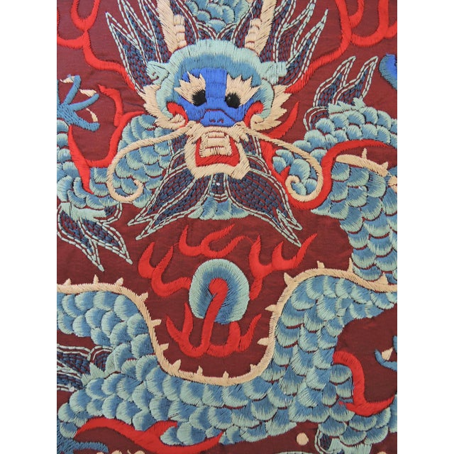 Chinese / Oriental embroidered square mat for your objects to rest on such as vases, plates, ornaments or lamps - can also...