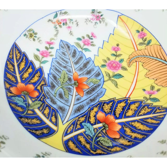 """Seymour Mann 1960s 9.5"""" Serving Bowl Chinoserie Tobacco Leaf Porcelain For Sale - Image 4 of 5"""