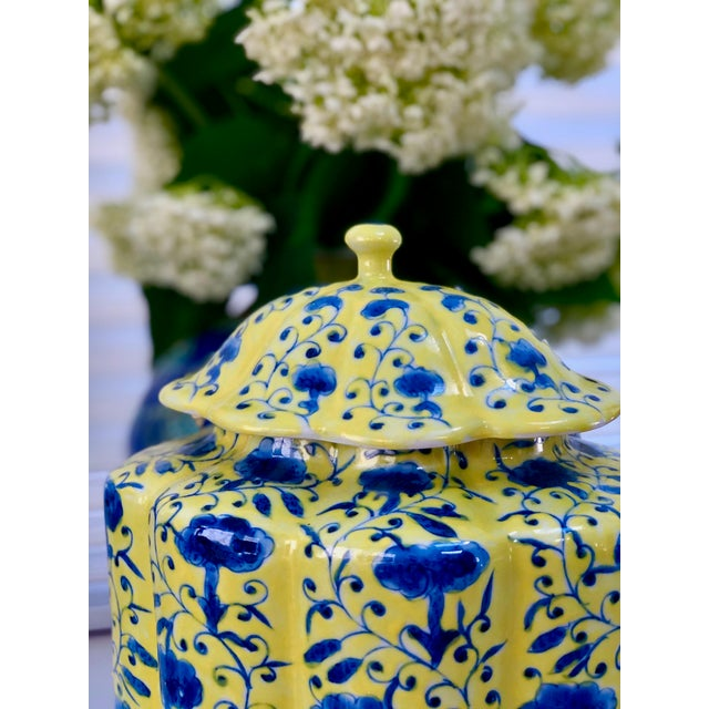 Chinoiserie Urn in Yellow and Blue With Lid For Sale - Image 4 of 13