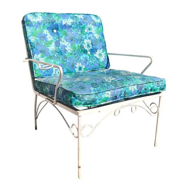 Mid-Century Modern Mid Century 3 Piece Outdoor White Iron Patio Chairs & Bench For Sale - Image 3 of 11