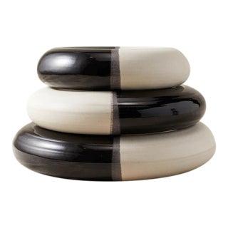 Contemporary Handmade Ceramic The Trio Donuts - Large - Noir/Blanc For Sale
