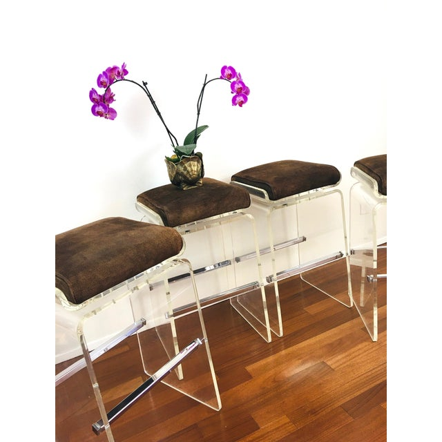 1970s Charles Hollis Jones Attributed Waterfall Lucite Swivel Bar Stools / Chairs, Set of 4 For Sale In Las Vegas - Image 6 of 12