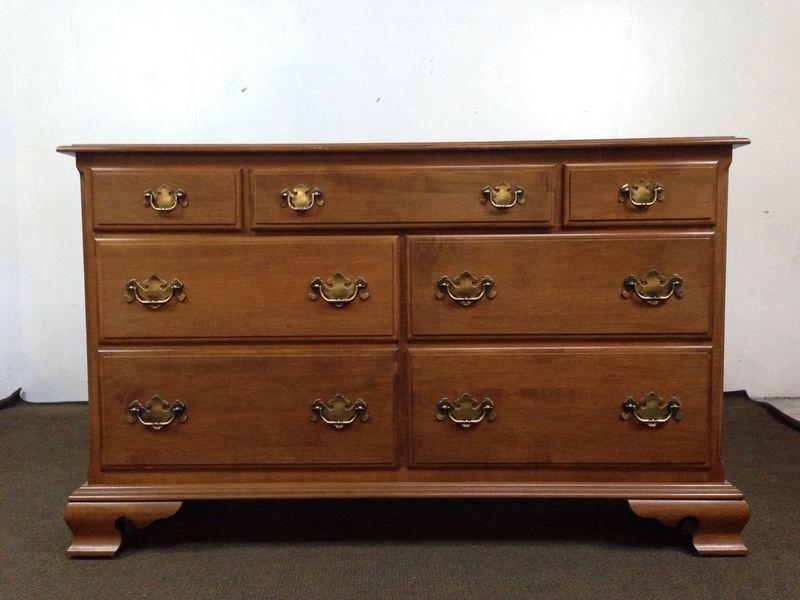 Charmant This Classic Ethan Allen Heirloom Nutmeg Dresser Is A Great Addition To  Your Living Room Or