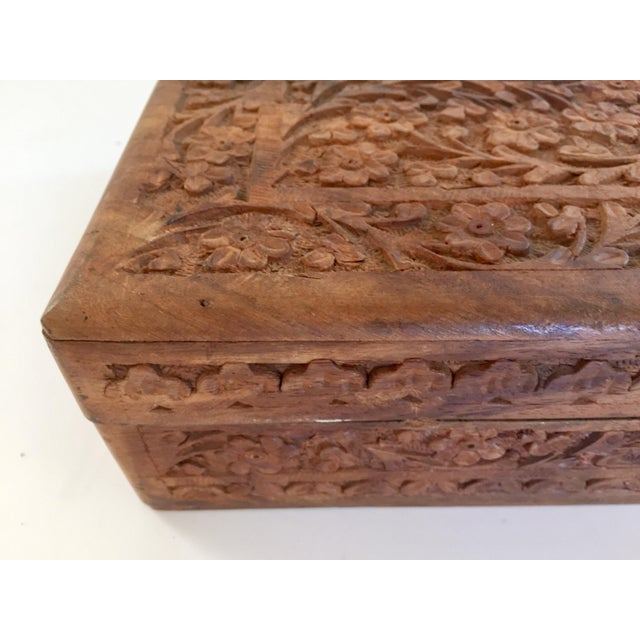 Early 20th Century Anglo Raj Hand-Carved Wooden Decorative Jewelry Box For Sale In Los Angeles - Image 6 of 13