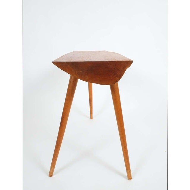 "Walnut wood end table in the style of George Nakashima, 1950. Sculptural elegant end or small coffee table. 31.5 x 11.81""...."